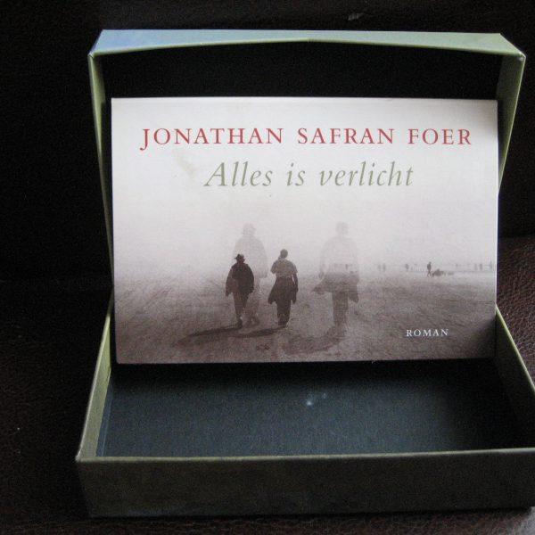 Foer, Jonathan Safran: Alles is verlicht - www.givnbooks.nl